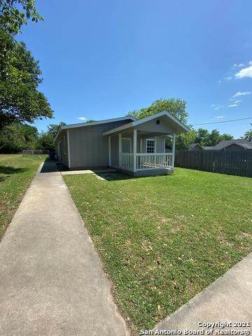 705 Beech St, Kerrville, TX 78028 (MLS #1523541) :: Tom White Group