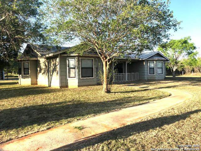 160 Parkfield Dr, Pleasanton, TX 78064 (MLS #1523565) :: The Glover Homes & Land Group