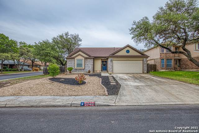 5742 Timber Star, San Antonio, TX 78250 (MLS #1523606) :: Keller Williams Heritage