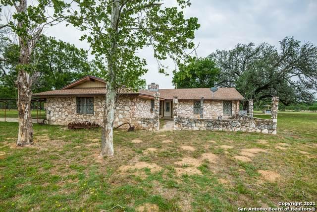 10690 Elmendorf Lavernia Rd, San Antonio, TX 78223 (MLS #1523638) :: Williams Realty & Ranches, LLC