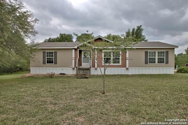 139 Oak Hill Dr, Seguin, TX 78155 (MLS #1523743) :: The Gradiz Group