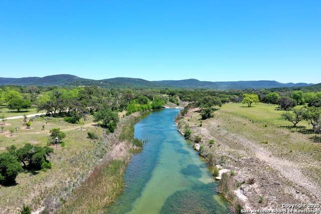 4029 Seco Valley Rd, Utopia, TX 78884 (MLS #1523752) :: The Lugo Group