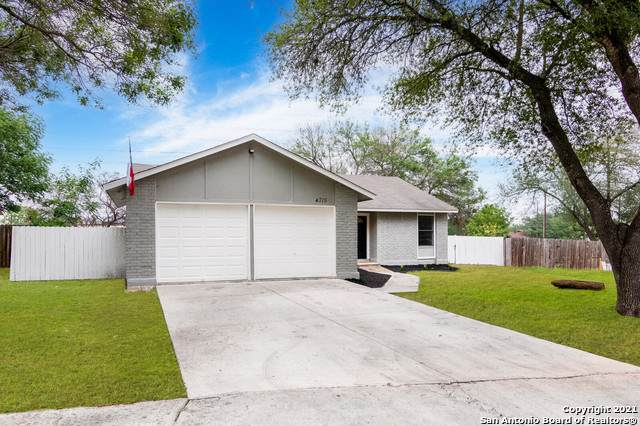 4715 Crested Rock Dr, San Antonio, TX 78217 (MLS #1523946) :: Carolina Garcia Real Estate Group