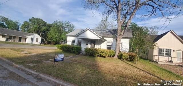 309 N Clinton St, Cuero, TX 77954 (MLS #1523948) :: 2Halls Property Team | Berkshire Hathaway HomeServices PenFed Realty