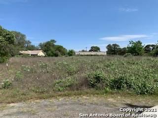 4607 Red Gum St, Elmendorf, TX 78112 (MLS #1524024) :: Carter Fine Homes - Keller Williams Heritage