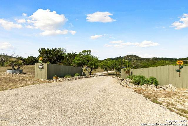 1251 Willow Springs Dr, Pipe Creek, TX 78063 (MLS #1524251) :: The Glover Homes & Land Group
