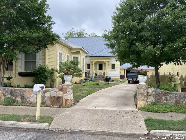 426 Seventh St, Comfort, TX 78013 (MLS #1524263) :: Tom White Group