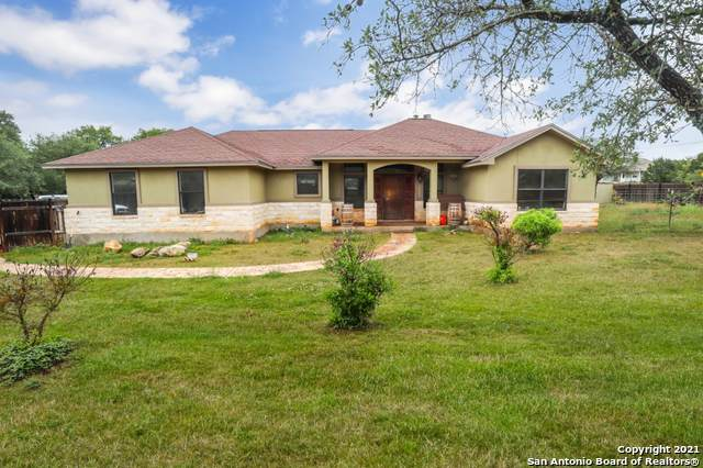 1261 Persimmon Pass, Fischer, TX 78623 (MLS #1524369) :: 2Halls Property Team | Berkshire Hathaway HomeServices PenFed Realty