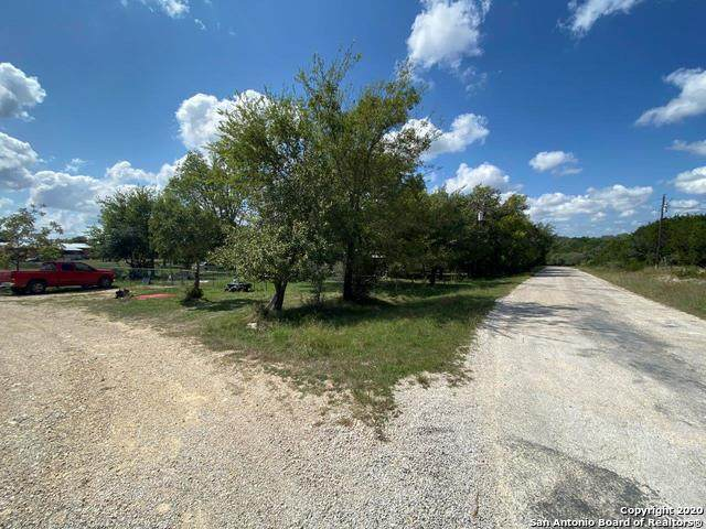 257 Forest Trail Dr, Bandera, TX 78003 (MLS #1524409) :: Neal & Neal Team
