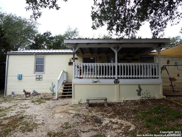 1428 Hedgestone, Canyon Lake, TX 78133 (MLS #1524493) :: Keller Williams Heritage