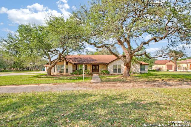 8455 Fair Oaks Pkwy, Boerne, TX 78015 (MLS #1524552) :: Alexis Weigand Real Estate Group