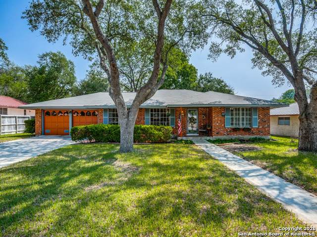 675 Crestway Dr, San Antonio, TX 78239 (MLS #1524554) :: The Gradiz Group