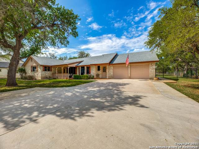 1347 Glenwood Loop, Bulverde, TX 78163 (MLS #1524578) :: Alexis Weigand Real Estate Group