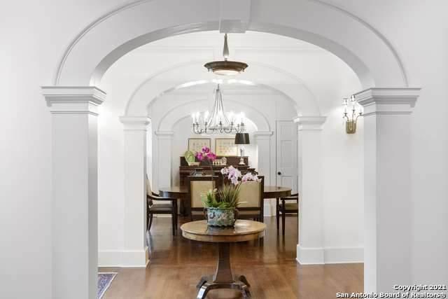 120 La Jara Blvd, Alamo Heights, TX 78209 (MLS #1524595) :: Alexis Weigand Real Estate Group