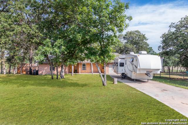 149 Great Oaks Blvd, La Vernia, TX 78121 (MLS #1524627) :: Keller Williams Heritage