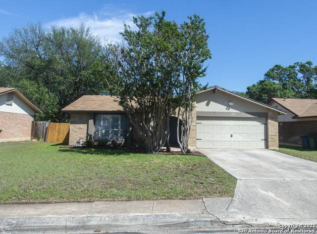 8126 Pemberton St, San Antonio, TX 78254 (MLS #1524653) :: 2Halls Property Team | Berkshire Hathaway HomeServices PenFed Realty