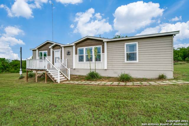 4223 County Road 221, Floresville, TX 78114 (MLS #1524680) :: Carter Fine Homes - Keller Williams Heritage
