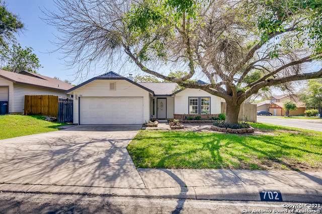 702 Cypressbrook Dr, San Antonio, TX 78245 (MLS #1524681) :: 2Halls Property Team | Berkshire Hathaway HomeServices PenFed Realty