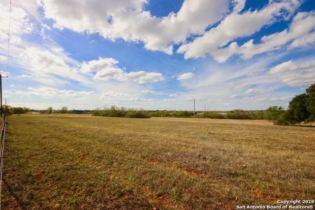 593 County Road 405, Floresville, TX 78114 (MLS #1524707) :: Keller Williams Heritage