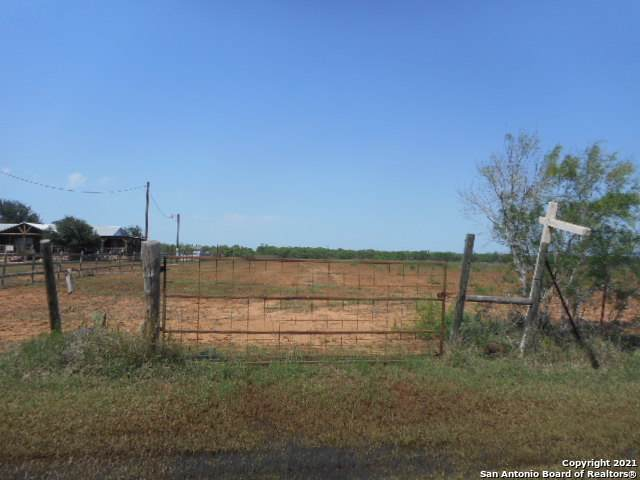 796 Cr 308A, Jourdanton, TX 78026 (MLS #1524738) :: Tom White Group
