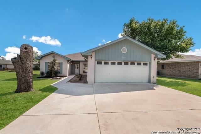 441 Knollwood Cir, Bandera, TX 78003 (MLS #1524838) :: Carolina Garcia Real Estate Group