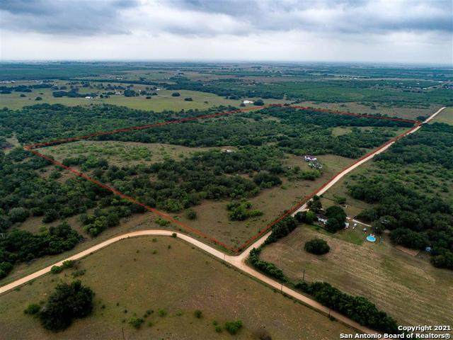 713 Cr 412, Stockdale, TX 78160 (MLS #1524867) :: The Lugo Group