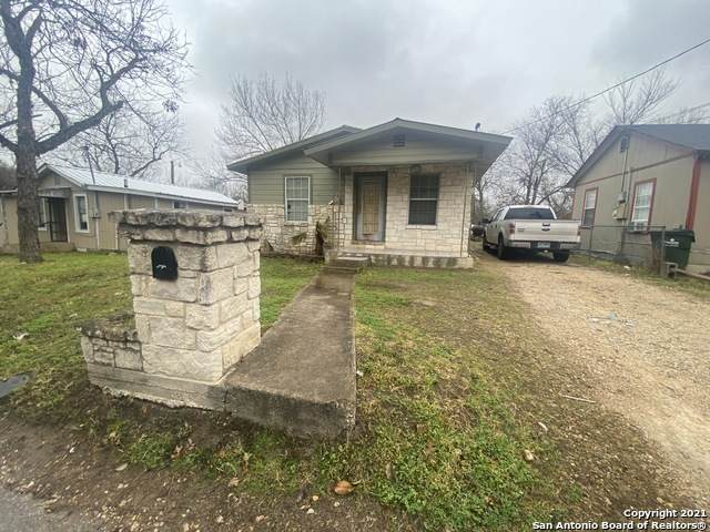 223 E Shelby St, Seguin, TX 78155 (MLS #1524884) :: The Glover Homes & Land Group