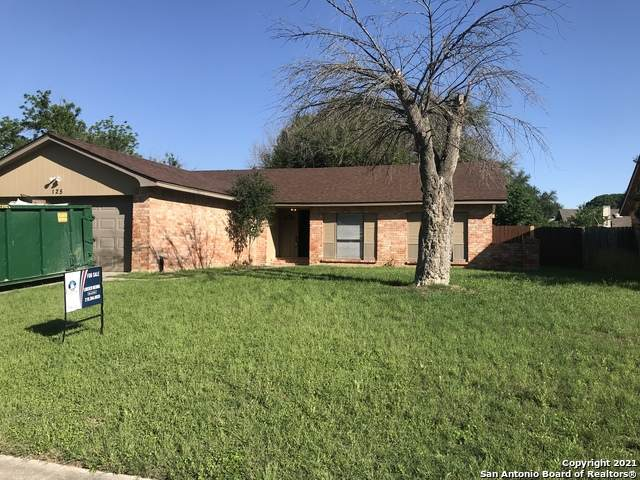 125 Clear Oak, Universal City, TX 78148 (MLS #1524913) :: Carolina Garcia Real Estate Group