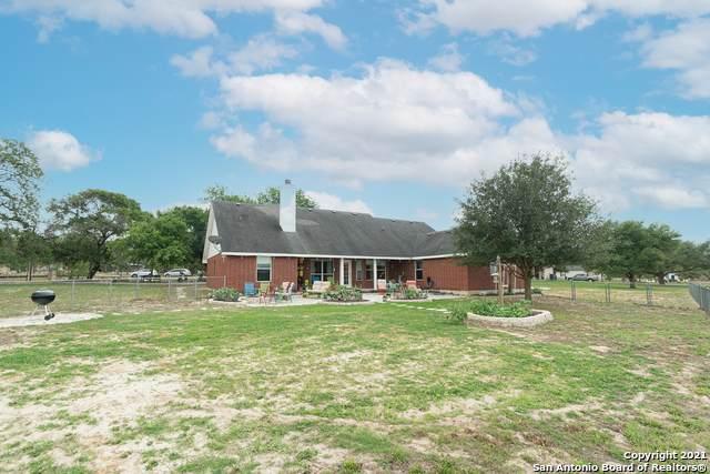 1291 Country View Dr, La Vernia, TX 78121 (MLS #1524934) :: Keller Williams Heritage