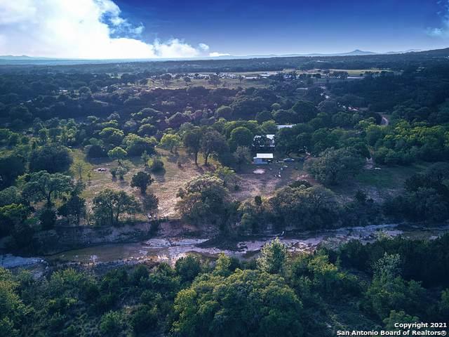 895 Fm 1283, Pipe Creek, TX 78063 (MLS #1524943) :: The Castillo Group