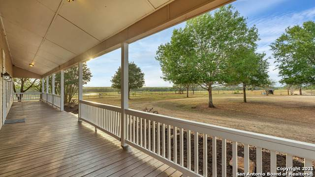3398 Kirks Corner, Harwood, TX 78632 (MLS #1525065) :: The Gradiz Group