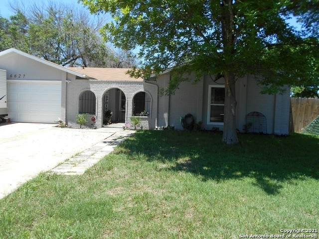 6627 Robin Forest, San Antonio, TX 78239 (MLS #1525154) :: 2Halls Property Team | Berkshire Hathaway HomeServices PenFed Realty