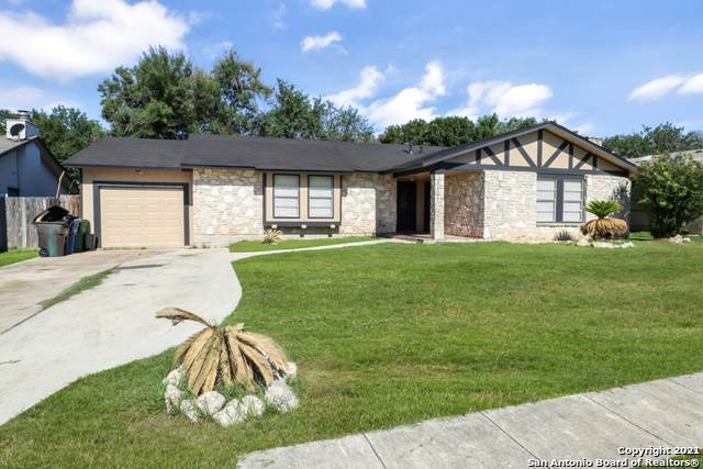 1315 Rio Linda St, San Antonio, TX 78245 (MLS #1525166) :: The Gradiz Group