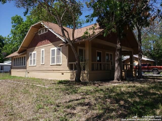 208 E Thornton St, Three Rivers, TX 78071 (MLS #1525206) :: BHGRE HomeCity San Antonio