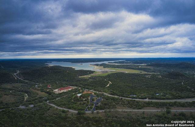 66 Private Road 1717, Mico, TX 78056 (MLS #1525208) :: The Lugo Group