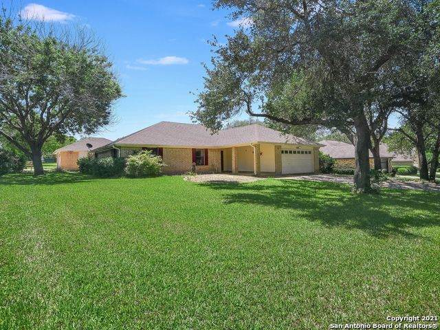 100 Whitetail Hollow, Seguin, TX 78155 (MLS #1525334) :: 2Halls Property Team | Berkshire Hathaway HomeServices PenFed Realty