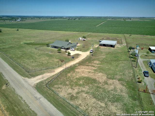 1850 Gin Rd, Seguin, TX 78155 (MLS #1525452) :: The Glover Homes & Land Group