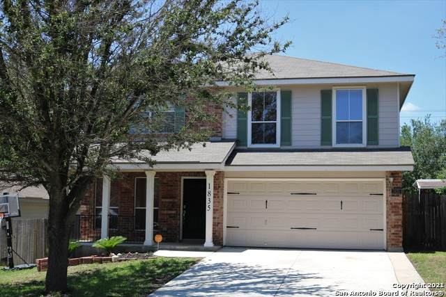 1835 Buffalo Wolf, San Antonio, TX 78245 (MLS #1525490) :: Tom White Group