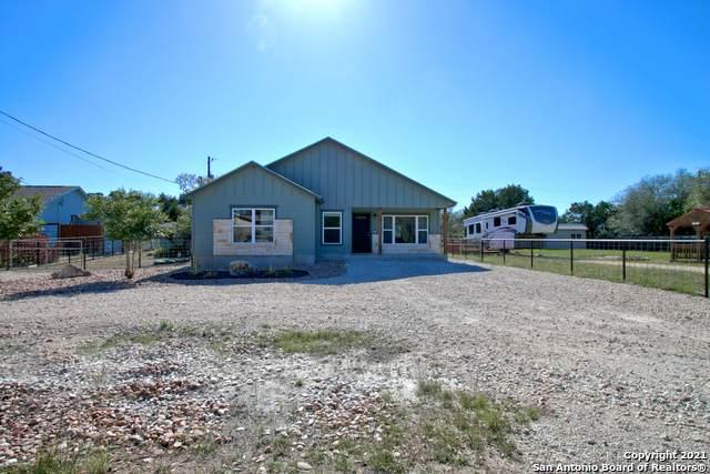 1360 Hedgestone, Canyon Lake, TX 78133 (MLS #1525491) :: Keller Williams Heritage