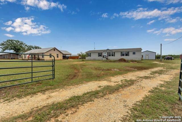 21114 Senior Rd, Von Ormy, TX 78073 (MLS #1525497) :: Carolina Garcia Real Estate Group