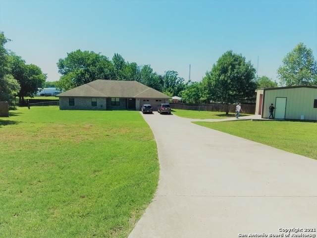 109 Sante Fe Ridge, Seguin, TX 78155 (MLS #1525606) :: Carolina Garcia Real Estate Group