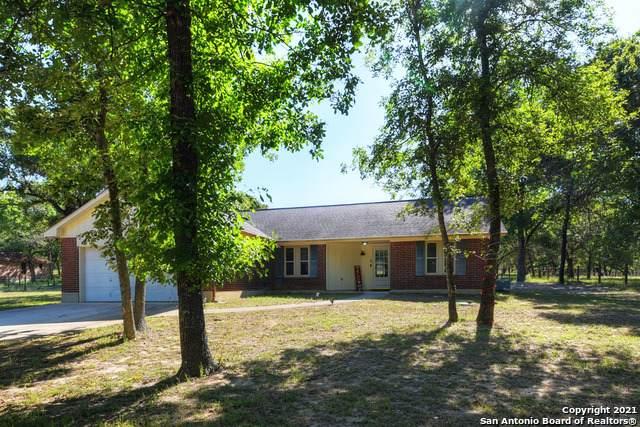 317 Whispering Oaks Dr, Adkins, TX 78101 (MLS #1525622) :: Williams Realty & Ranches, LLC