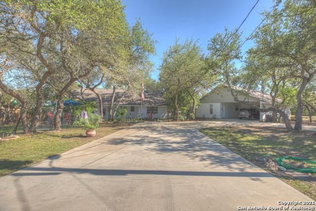 1062 Rocky Creek Dr, Canyon Lake, TX 78133 (MLS #1525679) :: The Curtis Team