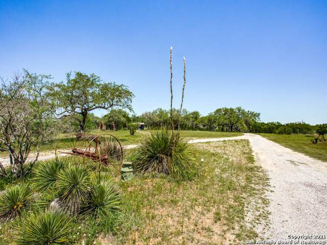 706 Paleface Ranch Rd South, Spicewood, TX 78669 (MLS #1525680) :: The Castillo Group