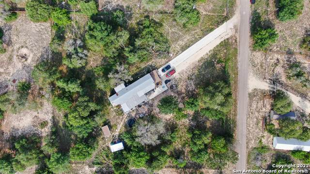355 County Road 6816, Natalia, TX 78059 (MLS #1525734) :: The Real Estate Jesus Team