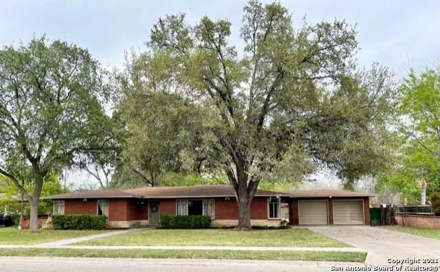 819 Cherry St, Uvalde, TX 78801 (MLS #1525796) :: Tom White Group