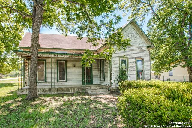 1515 S 2nd St, Floresville, TX 78114 (MLS #1525807) :: Exquisite Properties, LLC