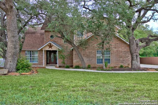 1104 Cardinal St, Pleasanton, TX 78064 (MLS #1525953) :: The Mullen Group | RE/MAX Access