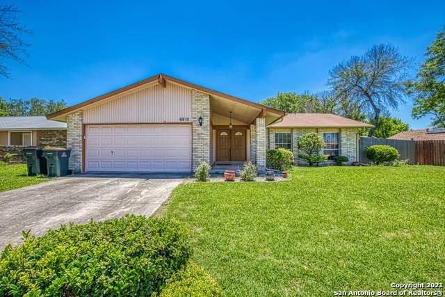 6910 Scottswood, San Antonio, TX 78239 (MLS #1526011) :: 2Halls Property Team | Berkshire Hathaway HomeServices PenFed Realty