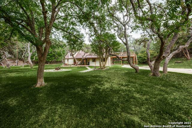 301 Fm 3351 S, Boerne, TX 78006 (MLS #1526076) :: Beth Ann Falcon Real Estate